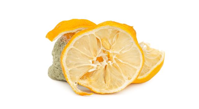 カビたレモン